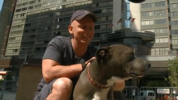 A rendőr a legédesebb dolgot tette a kutyáért