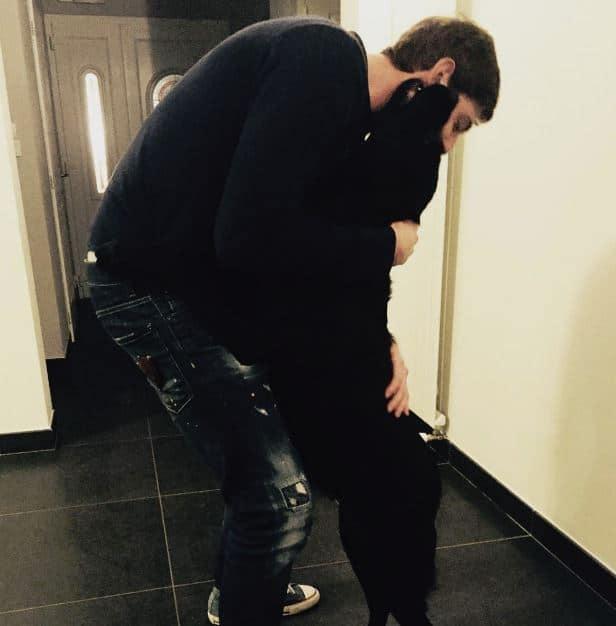 Emiliano Sala kutyája kitartóan várja meghalt gazdáját2