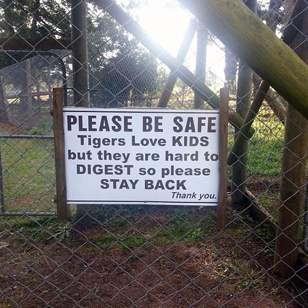 vicces állatkerti kiírások