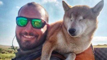 Vak kutyájával indult el 1700 km-es túrára