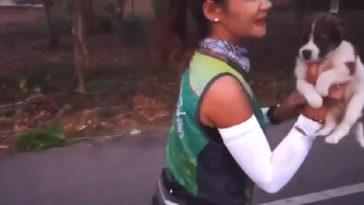 30 kilométert futott egy nő a kóbor kiskutyával